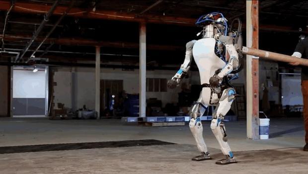 14-amazonun-robot-ordusu