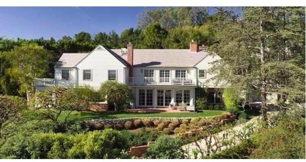 Mayıs 2016'da ikili, daha önce Harrison Ford'a ait olan 7,164 metrekarelik bir evi 12 milyon dolara satın aldı.