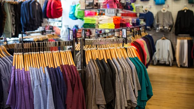 d2d79b7fb1e64 Eğer doğru bir kulvardan ilerlerseniz giyim mağazalarına her daim ihtiyaç  vardır. AVM'leri ya da çarşıları incelerseniz giyim mağazalarının  çoğunlukta ...